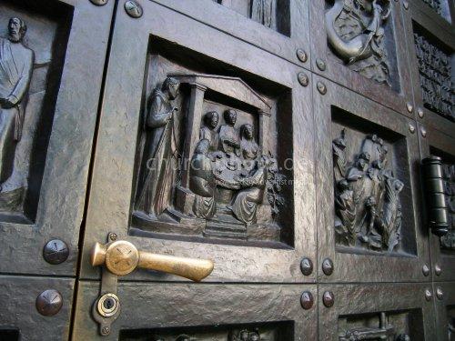 Kirchentür 1