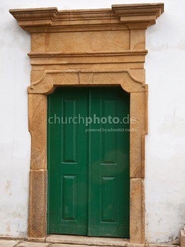 Church door without handle