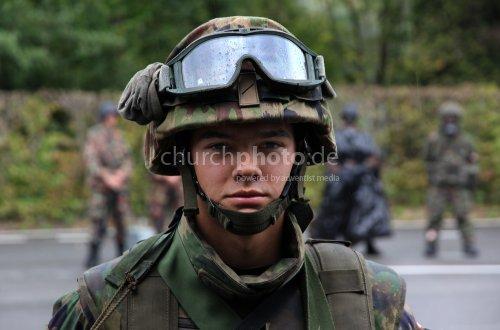 Schweizer Soldat, Swiss Soldier