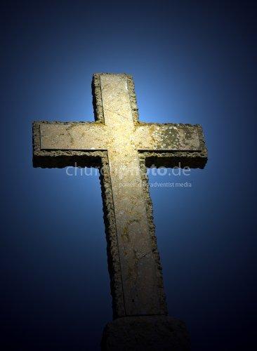 Kreuz mit hellem Schein