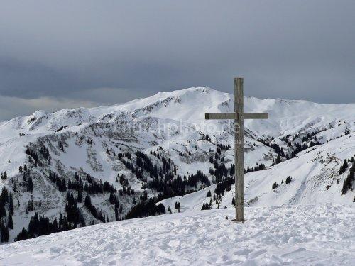 Gipfelkreuz im Winter