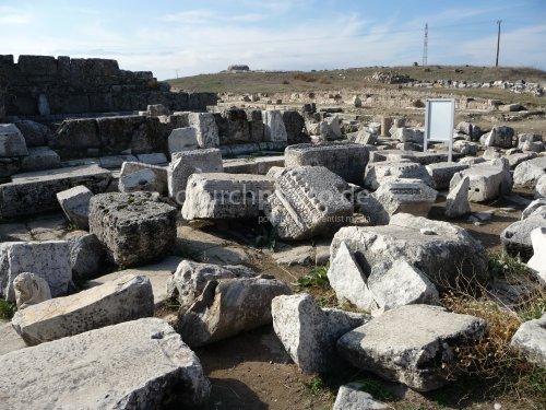 Laodicea, schönbehauene Sandsteinblöcke