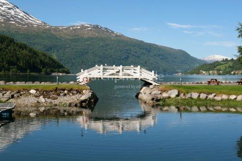 Brücke am Hafenbecken