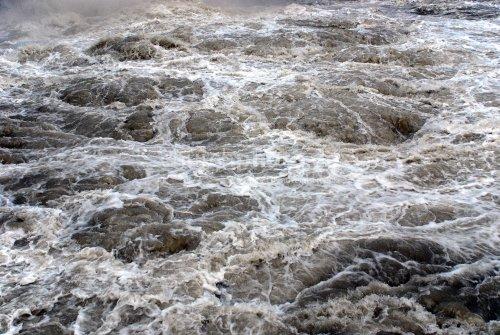 Gewaltigen Fluten
