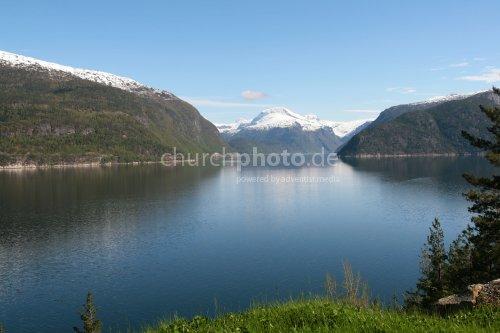 Wasser und Berge