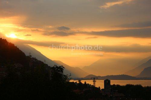 Sonnenaufgang am Comer See