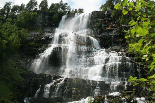 Mächtiger Wasserfall