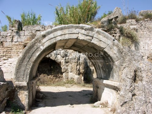 Perge Therme