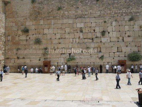 Betende an der Westmauer in Jerusalem