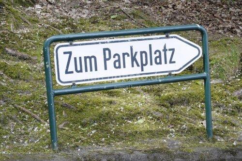 Zum Parkplatz