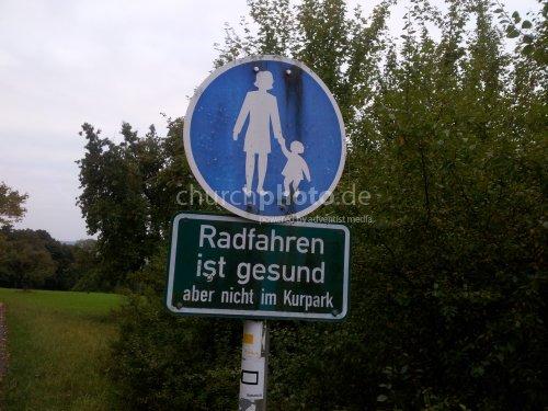 Radfahren ist gesund aber nicht im Kurpark