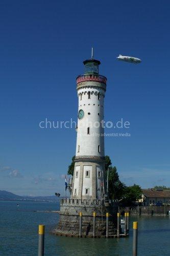 Leuchturm mit Zeppelin