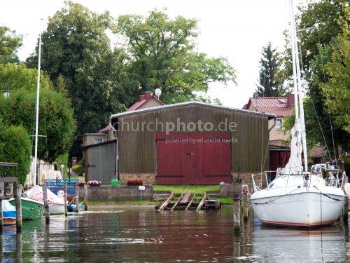 Einstein boathouse