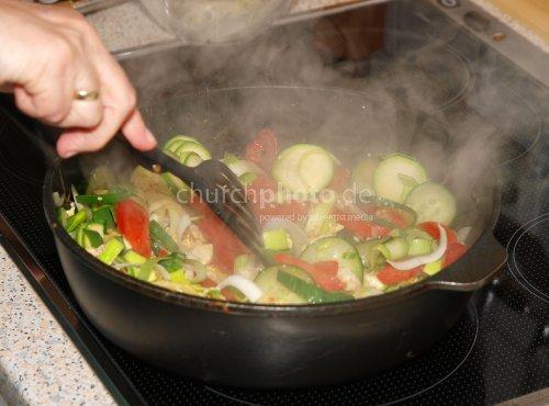 Cooking Khao Phat Gai