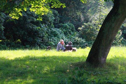 Gespräch im Park