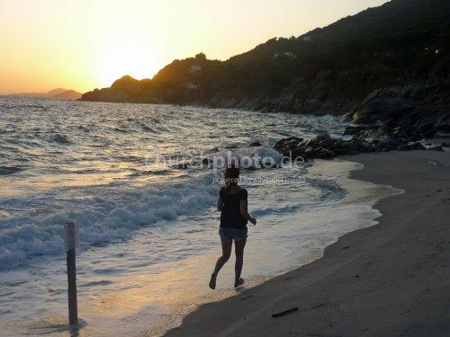 Beachrunner girl